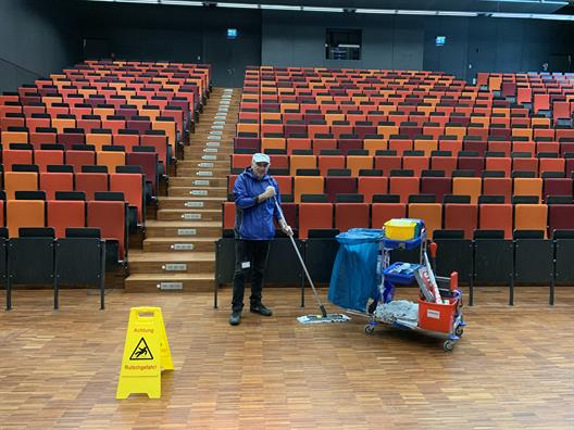 Cleaning at the Derendorf campus of Düsseldorf University of Applied Sciences
